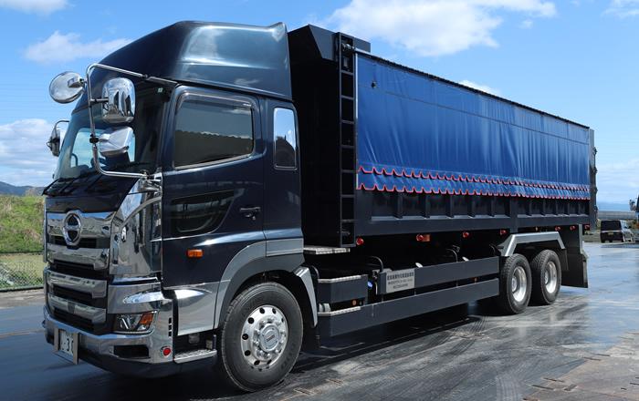 産業廃棄物運搬40m3ダンプ車両